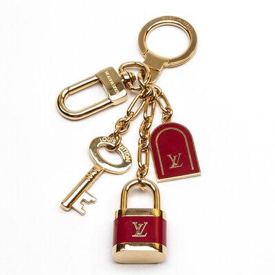 Chaveiro Louis Vuitton Dourado Dourado