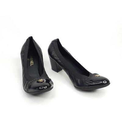 Sapato Chanel Preto em Couro e Verniz