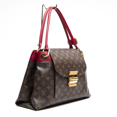 Bolsa Louis Vuitton Olympe Monograma em couro