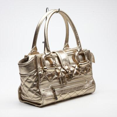 Bolsa Burberry em couro dourada