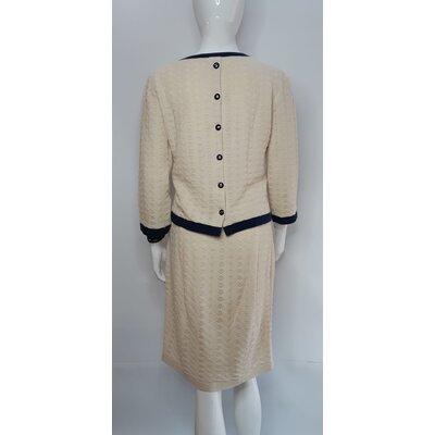 Conjunto com Saia Chanel Cotton Off White e Azul