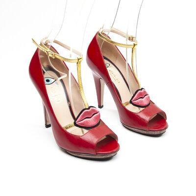 Sapato Gucci Couro/Boca Vermelho