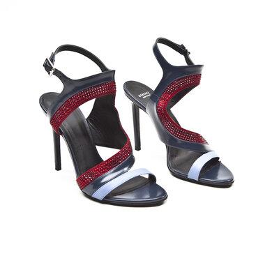 Sandalia Versace em couro com strass azul marinho e vermelho