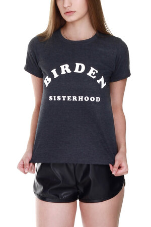CAMISETA SISTERHOOD DARK