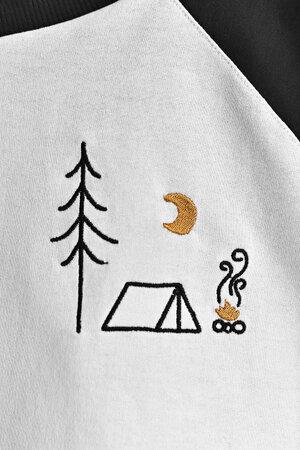 Moletinho Cropped Raglan | Happy Camper