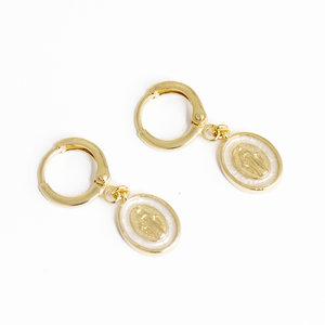 Argola Pequena Medalha Esmaltada N. Senhora Ouro