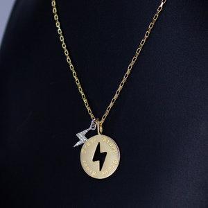 Colar Medalha Raio com pingente cravejado Ouro