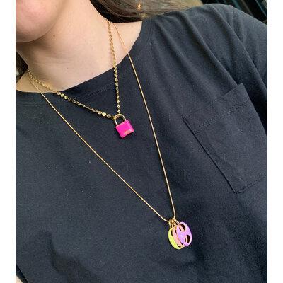 Pingente Cadeado BELIEVE Esmaltado Pink Neon Ouro