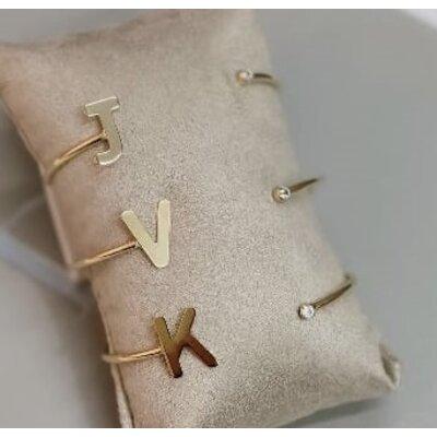 Bracelete Letra com Ponto de Luz Ouro18k ( Prazo de até 30dias )