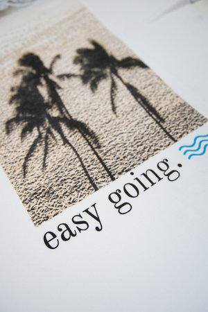 T-shirt Easy Going - Henrique Pinguim