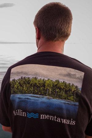 T-shirt Chillin Mentawais - Henrique Pinguim