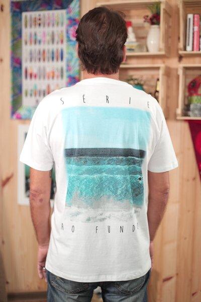 T-shirt Série ao Fundo Rema