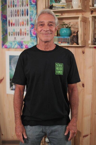 T-shirt Série ao Fundo Black & Green