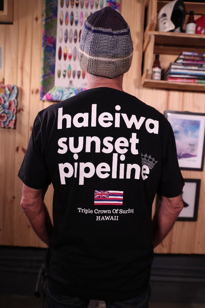 T-shirt Hawaii Série ao Fundo