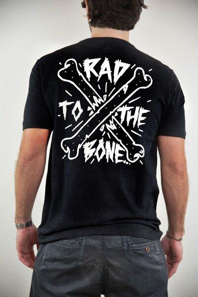 T-shirt Rad to the Bone