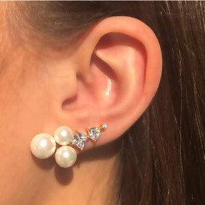 Brinco Ear Cuff Pérolas e Zircônias Banho de Ouro 18 K Semijóia
