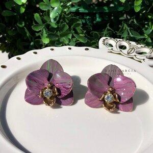 Brinco Orquídea Lilás Pintado a Mão