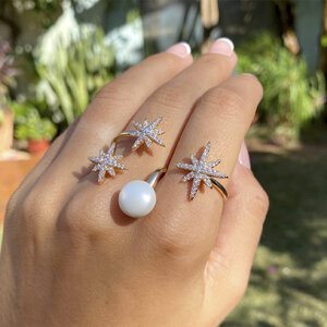 Anel Duplo Estrelas com Pérola Banho de Ouro 18 K Semijóia