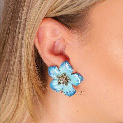 Brinco Flor Tons de Azul a Mão