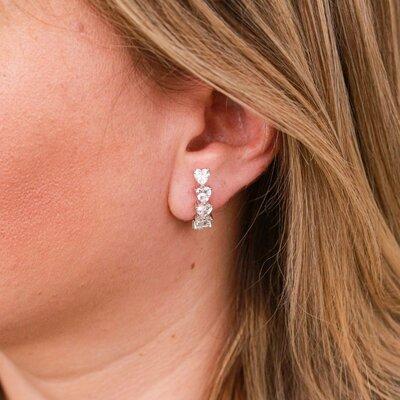 Brinco Ear Hook Corações Prata 925