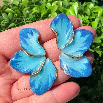 Brinco Meia Flor Azul Pintado á Mão