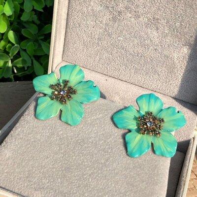 Brinco Flor Verde Água e Turquesa Pintado a Mão