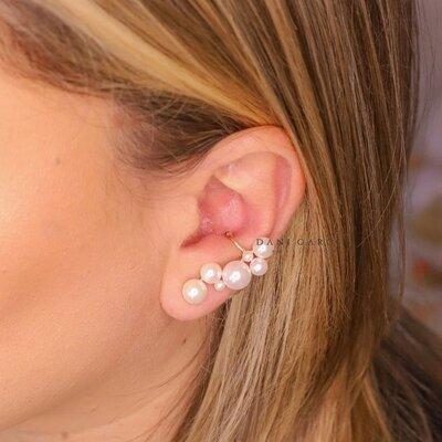 Brinco Ear Cuff Pérolas com Piercing Banho de Ouro 18 K Semijóia