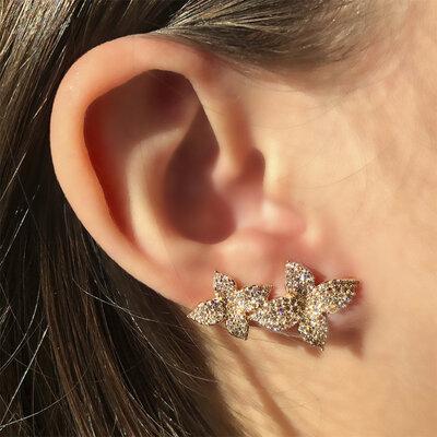 Brinco Ear Cuff Camélia Banho de Ouro 18 K Semijóia