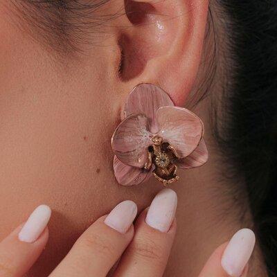 Brinco Orquídea Nude Pintado a Mão