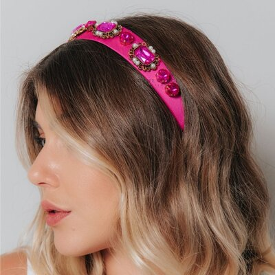 Tiara Cetim Pink Pedras