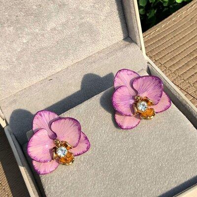 Brinco Orquídea Tons de Lilás Pintado a Mão