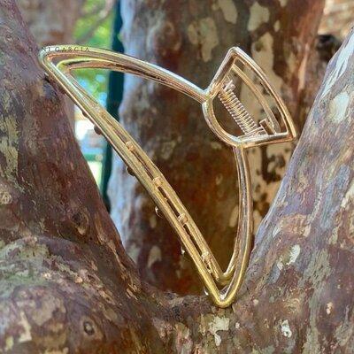 Piranha Metal Triângulo Dourada