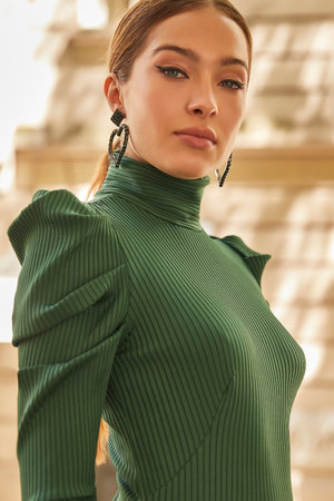 Vestido Malha Canelada Manga Longa Bufante