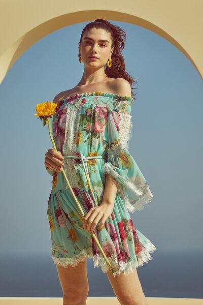 Vestido Curto Estampa Jardim Mediterrâneo
