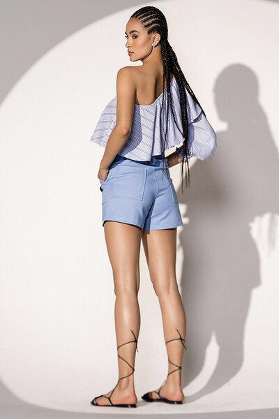 Short Leonor