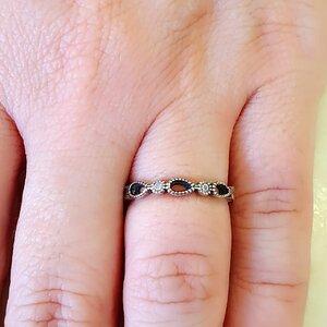 Aliança delicada em prata 925 com gotas vazadas