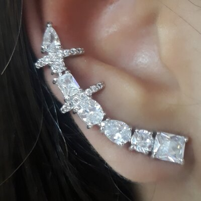 Brinco Ear Cuff Poderoso com Zirconias