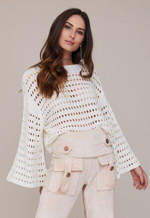 Blusa tricot vazada