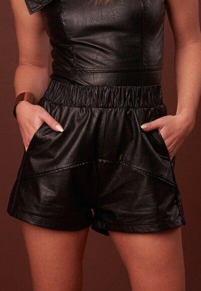 Shorts couro eco