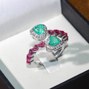 Anel Double Heart Cravejado Turmalina Pink e Esmeralda Colombiana Fusion