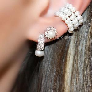 Brinco Primeiro ou Segundo Furo Flower Pearl Luxo