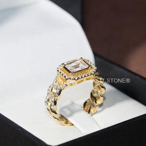 Anel Elos Cravejados Retângulo Baguete Gold