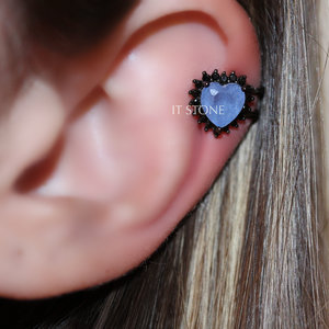 Piercing Falso Heart Cravejado Quartzo Azul Fusion Negro (unidade)