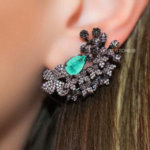 Ear Cuff Multi Scarlet Ametista e Esmeralda Colombiana Fusion Luxo Negro