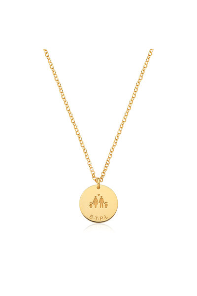 Gargantilha com corrente de elo português e pingente redondo da família e iniciais do nome de prata