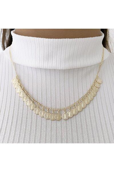 Gargantilha dourada com medalhinhas de são bento penduradas