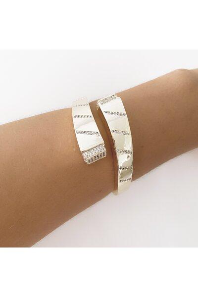 Bracelete Dourado liso com fios em zircônias e ponteira Retangular Cravejada