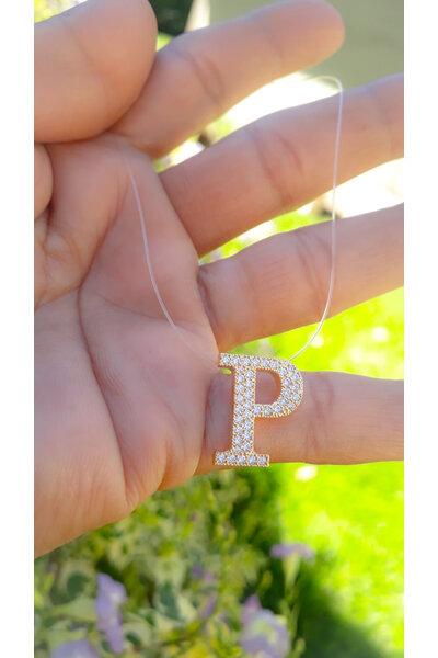 Gargantilha fio de nylon com letra cravejada em zircônias