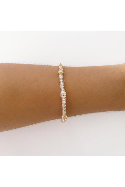 Bracelete dourado cravejado em zircônias e cristais baguete