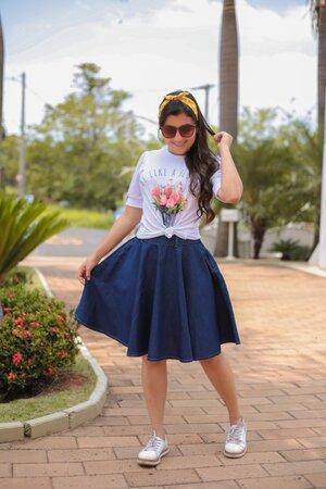 Saia Jeans Bonequinha + T-shirt Vaso de Flores